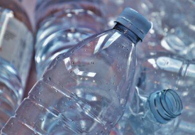 Le recyclage des matières plastiques : enjeu économique ou mirage environnemental ?